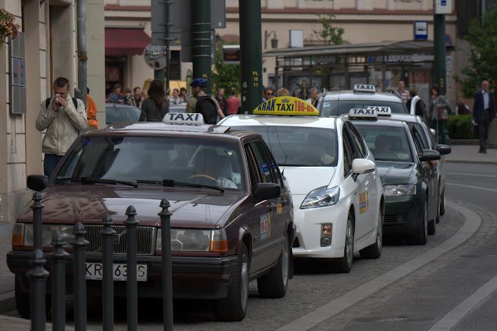 Такси poland_krakow_taxis.jpg