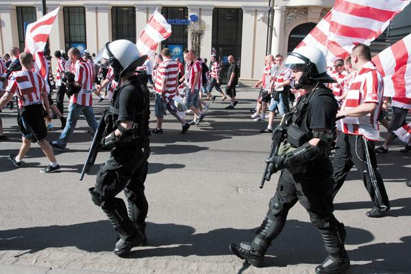 Krakow police with shotguns