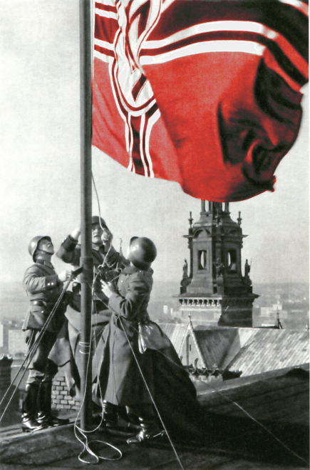 Nazis hoist the flag of the Third Reich over Wawel (colorized by the author)