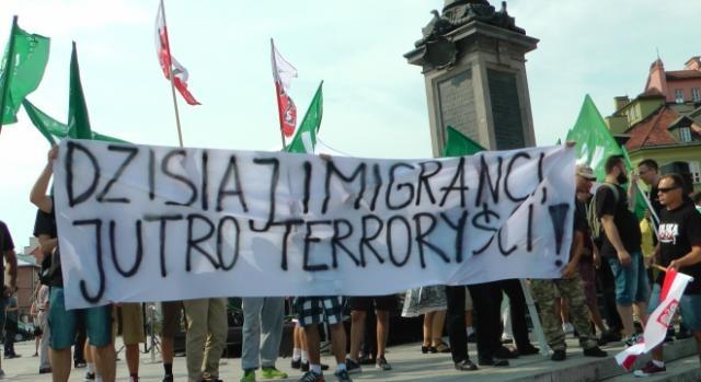demonstracja-antyimigrancka-w-warszawie_417807