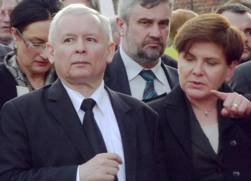 Jarosław_Kaczyński_i_Beata_Szydło_(8736166324)