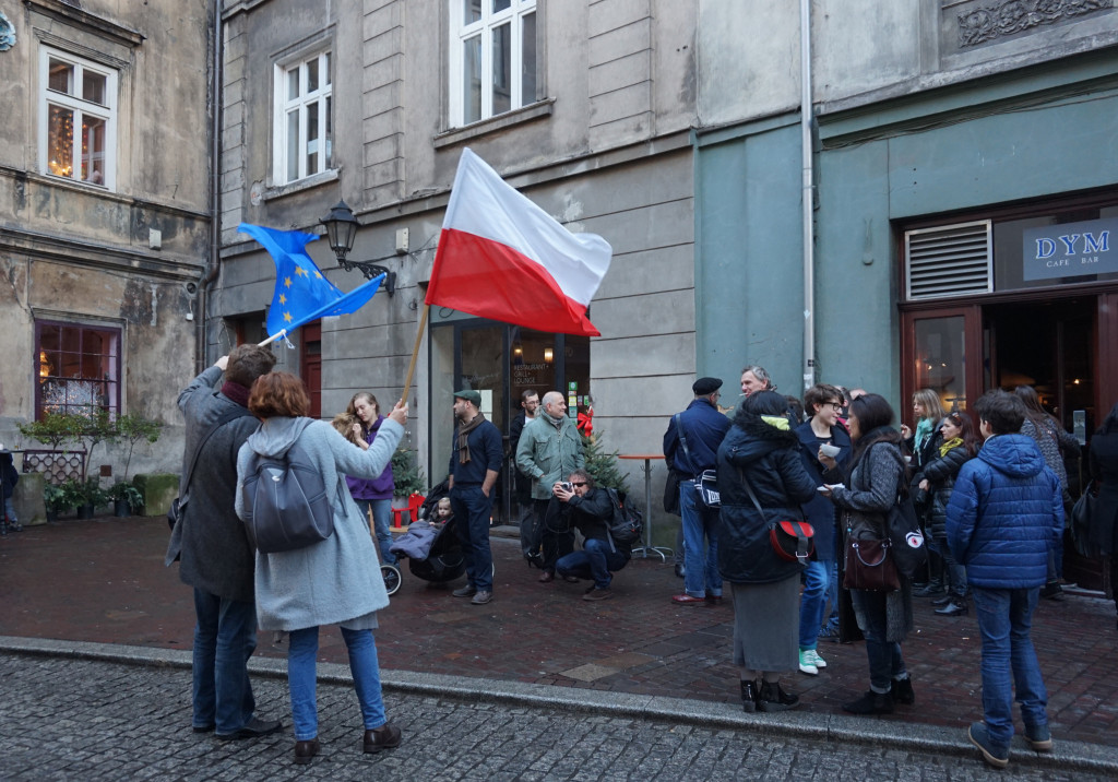 Anti-government protests held across Poland