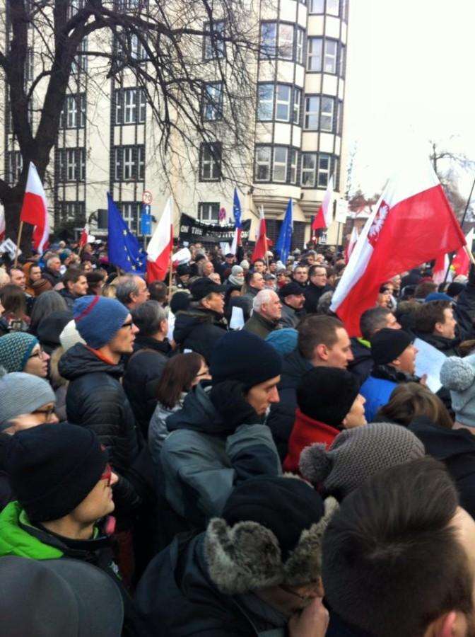 """Wolne media!"": Cracovians protest new government press controls"