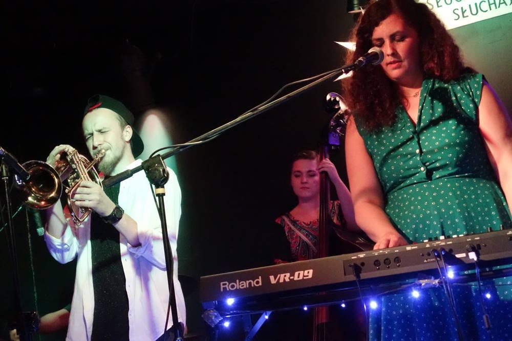 Vladimirska performing at Klub Piękny Pies last month (phot. Gabriel Kutz/Facebook)