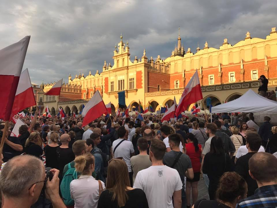 Cracovians on Sunday, 27 July continue over a week of protests over a controversial bill to place the Polish Supreme Court under closer government control (phot. Maciej Guzik)