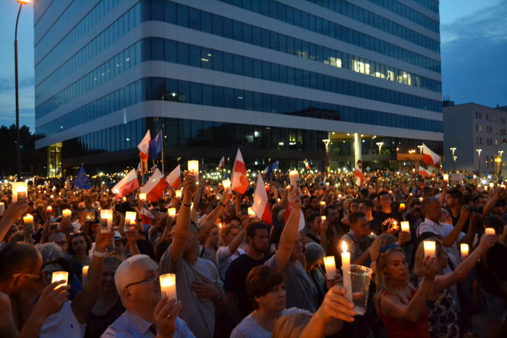 Mass protests continue across Poland as controversial court reform nears passage