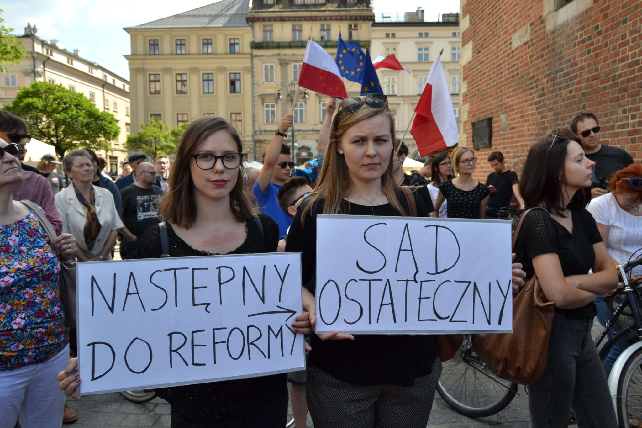 "Recent Polish Law graduates Milena (L) and Karolina: ""NEXT TO REFORM: THE LAST JUDGEMENT"""