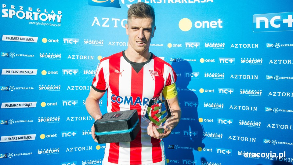 Krzysztof Piątek, Player of the Month