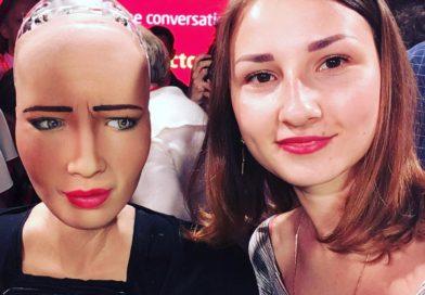 A selfie with Sophia! (phot. Tetiana Shataieva)