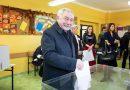 Jacek Majchrowski voting (phot. Facebook)