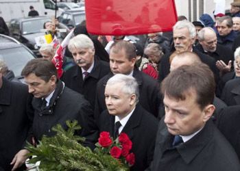 PiS Leaders Appeal to Washington